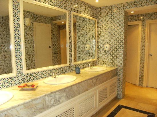 Hotel Shalimar: I bagni dell'hotel, sempre puliti