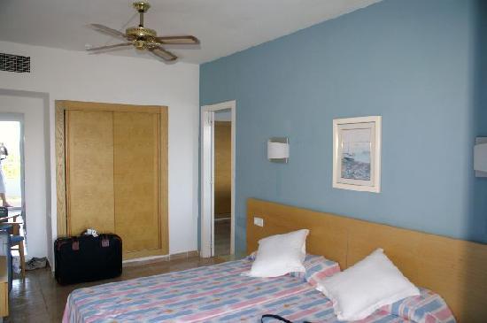Palladium Hotel Don Carlos: Room