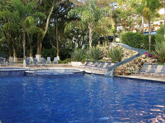"Hotel Spa Ixtapan: The ""cool"" pool"