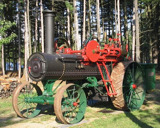 Michigan Flywheelers Museum : One of the steamers at the show
