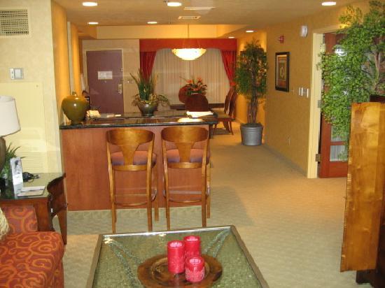 엠버시 스위트 노스웨스트 아칸소 호텔-스파 앤드 컨벤션 센터 사진