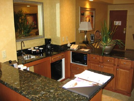 Embassy Suites by Hilton Northwest Arkansas: Suite