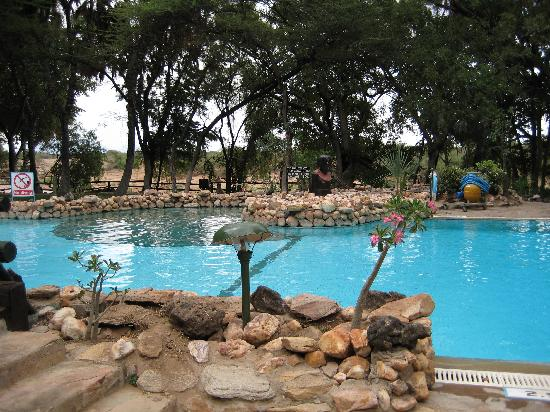 Sarova Shaba Game Lodge: Pool area