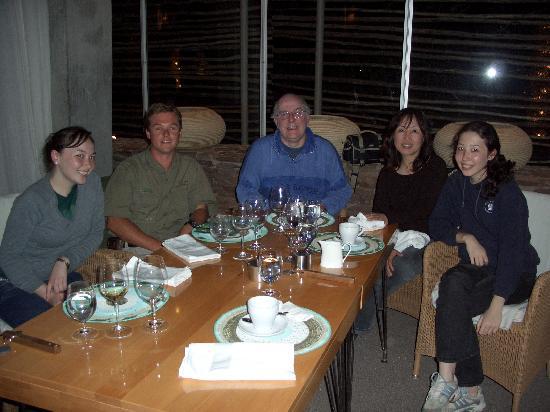 ซิงกิต้า ลีบอมโบลอดจ์: Dinner in the Restaurant with Jerad, nice and informal dress
