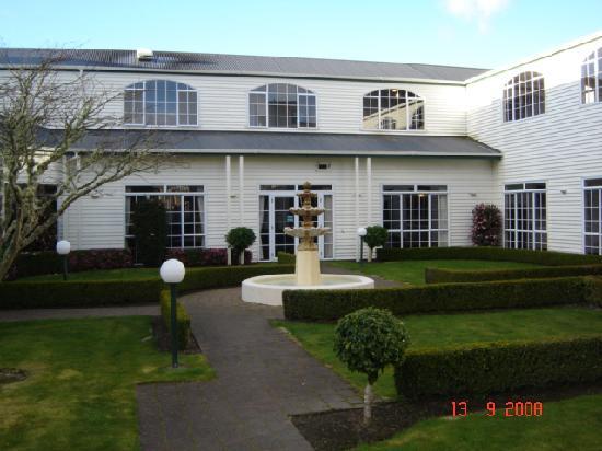 Wairakei Resort Taupo: Courtyard