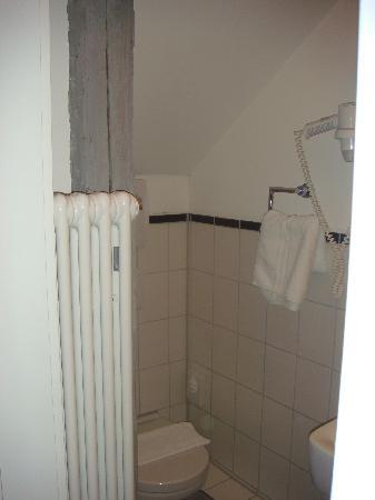 Hotel Bäumle: WC im Bad Zimmer 16