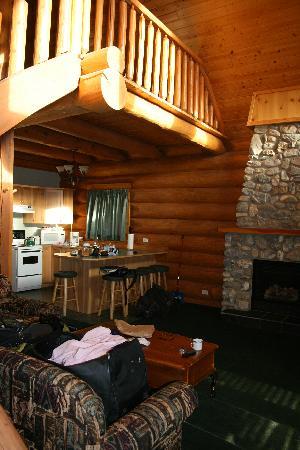 Chancellor Peak Chalets: loft, kitchen, lounge