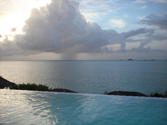 Cocobay Resort: VISTA DALLA PISCINA