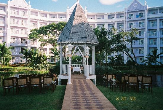 Clubhotel Riu Ocho Rios Wedding Gazebo