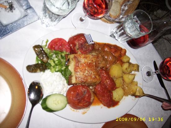 San Giorgio Restaurant: Greek plate for two