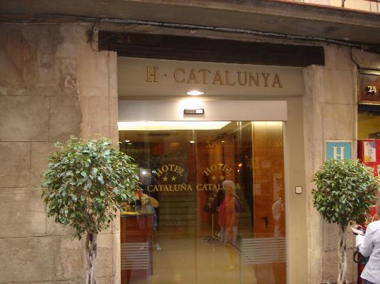 Hotel Catalunya: Entrance