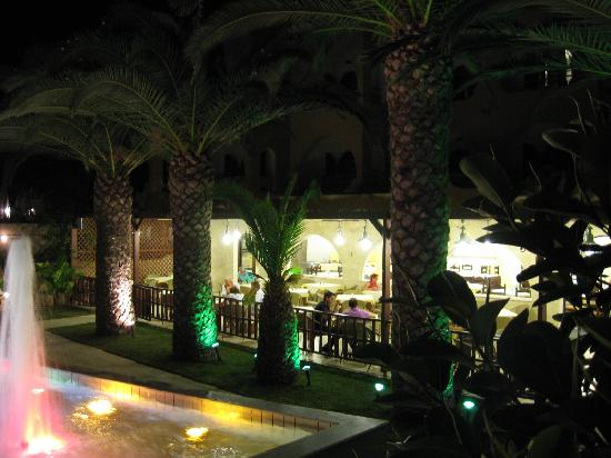 Καρτερός, Ελλάδα: dinner area