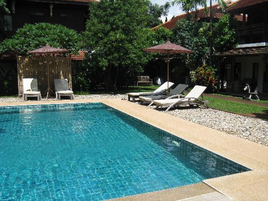 Baan Sing Kham Resort: Swimming pool