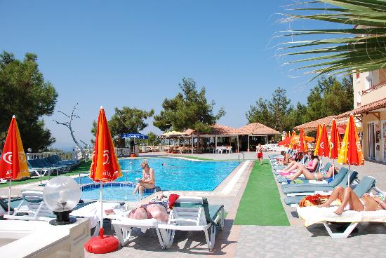 Sogucak, Turki: The pool at Pine Club