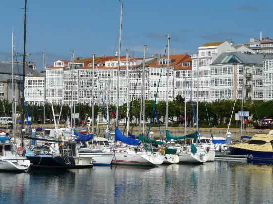The galerias and marina.