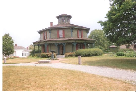 "Genesee Country Village & Museum: My ""Favorite House"""