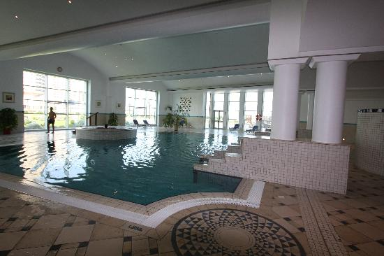 Corinthia Hotel Tripoli : One indoor and two outdoor pools and exercise rooms