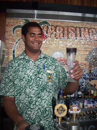Uprising Beach Resort: Arhcie the bartender