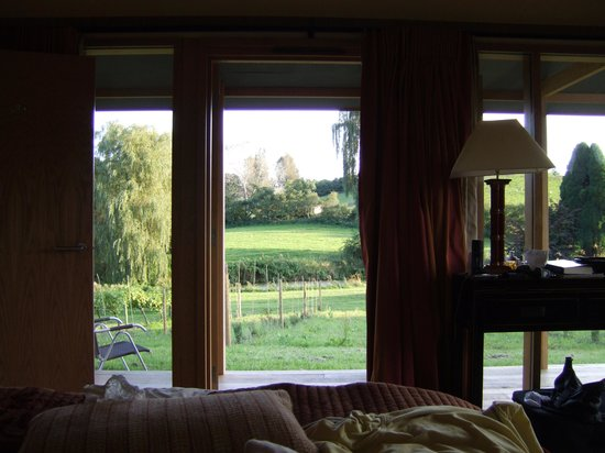 Newent, UK: View of the countryside from the bed