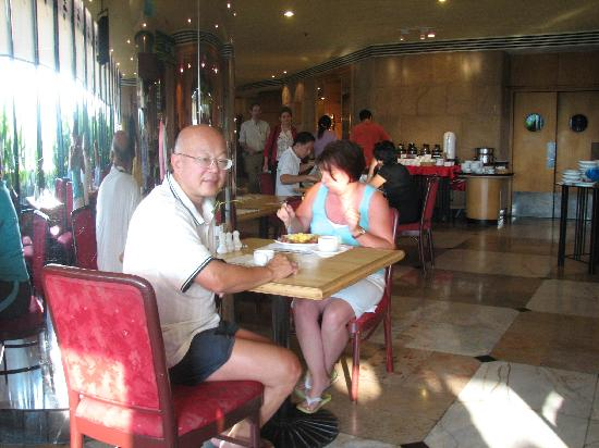 Grand China Hotel: In the hotel dining room