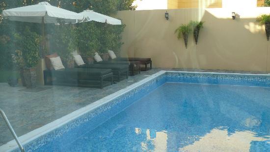 La Maison d'Hotes : piscine