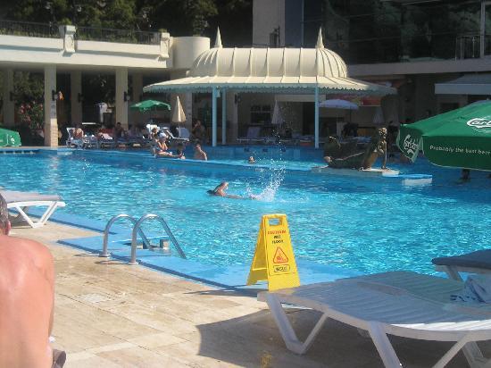 Alkoclar Adakule Hotel: Hotel Simming Poole