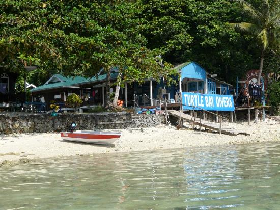 Mama's Place : chalets and dive center