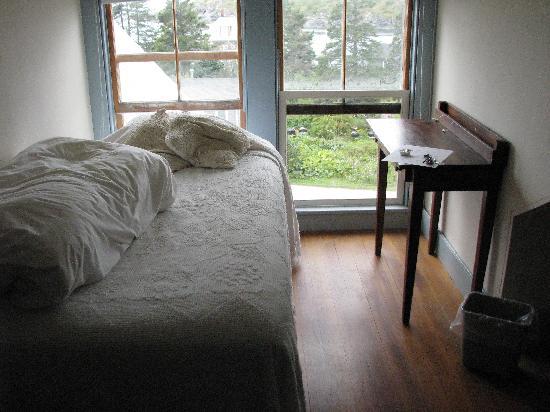 The Monhegan House : single room