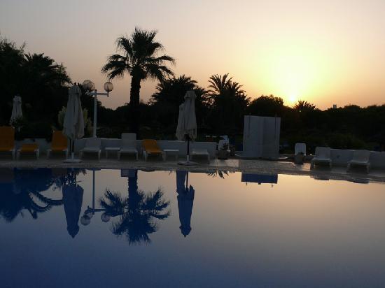 One Resort Monastir: pisina alba