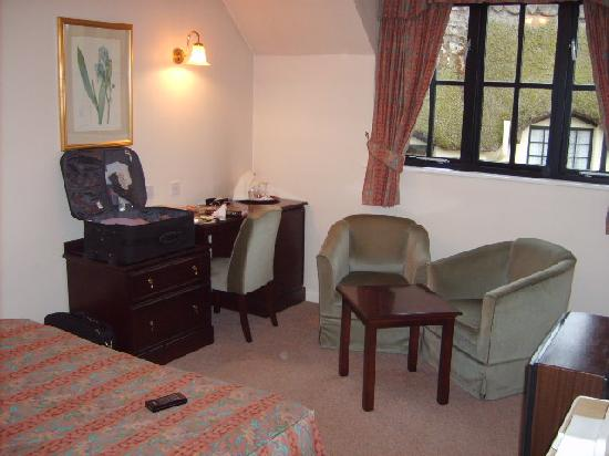 The Barton Cross Hotel: Room 4