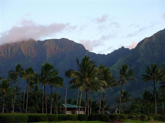 Hanalei Beach: Na Molokama Mountains