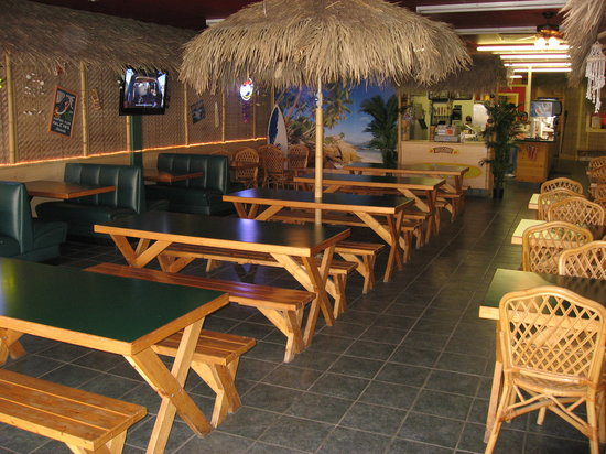 Coconut Kenny's : Tropical Setting!!!