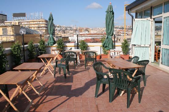 Hotel Garden Napoli : Terrasse