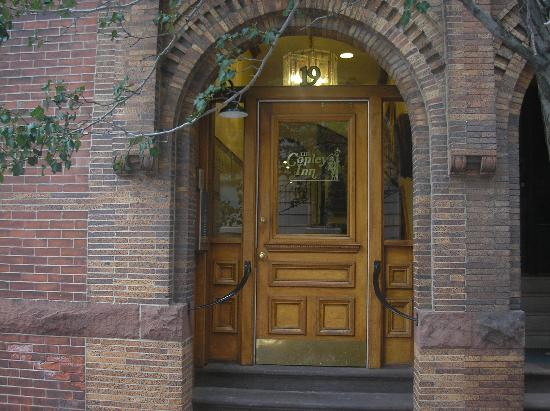 Copley Inn : Front entrance door