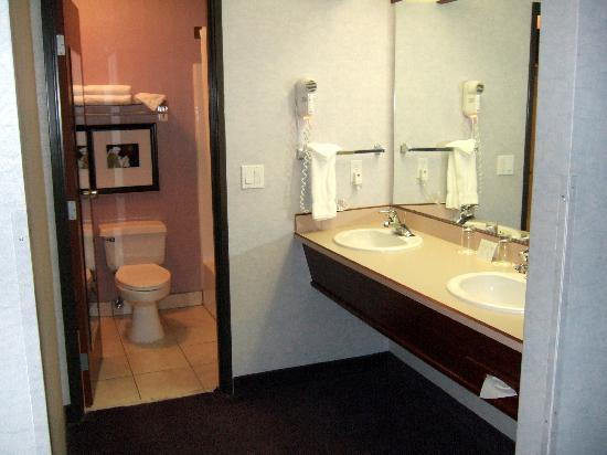 Tigard, OR: Governor's Suite Bathroom