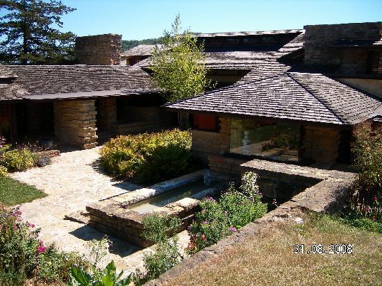 Taliesin Preservation: Courtyard
