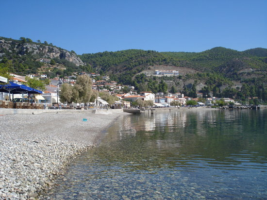 Euboea, Grecia: The sea front of Limni in Evia Island