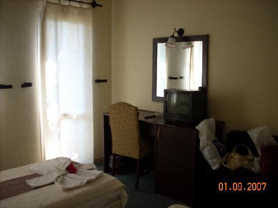 Gundem Resort Hotel: Our room
