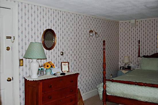 Inn at West View Farm: Room 8