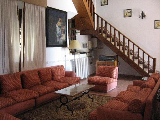 Hotel La Almazara: salon