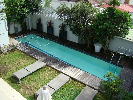 TwentyTwo - Pool/Yard