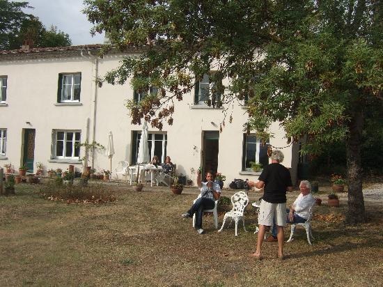 Villa Des Roses (Welcome Drink)