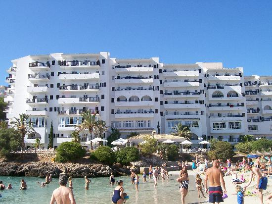 Mar Hotels Ferrera Blanca: A hotel near the beach