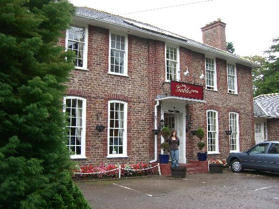 The Gables Hotel: front of hotel