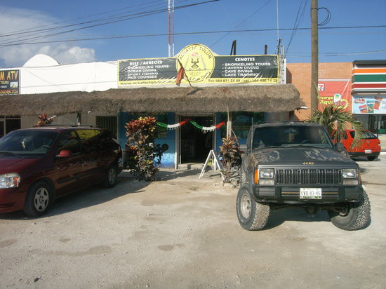 Acuatic Tulum : shop on the cross, HWY307 and av.Coba