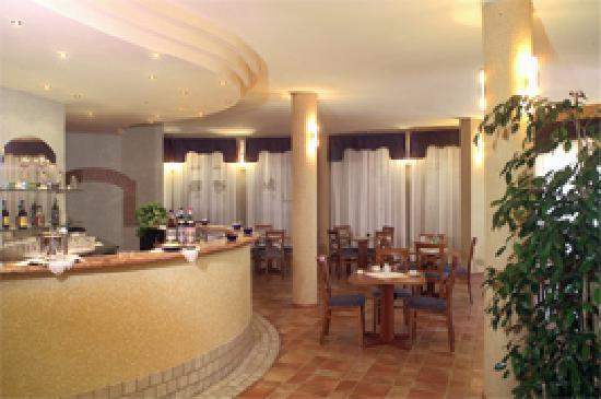 Sangano, Italy: il bar