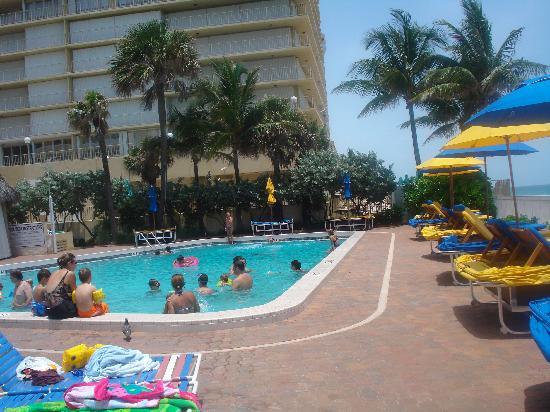 piscine picture of ocean sky hotel resort fort. Black Bedroom Furniture Sets. Home Design Ideas