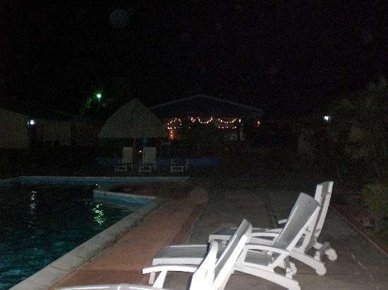Aruba Blue Village: Area de la piscina