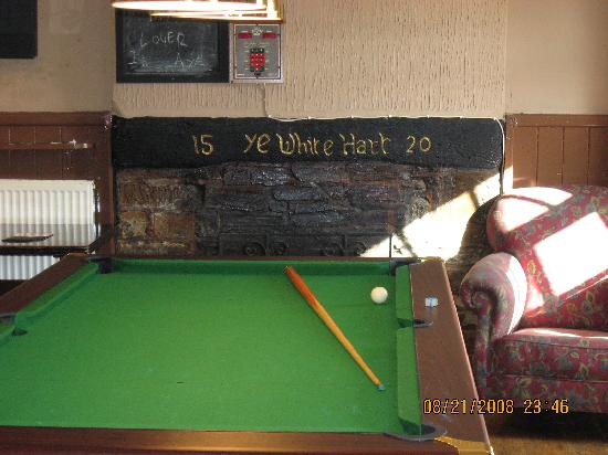 White Hart Inn : This area is at the front of the  building.  The pub, lounge, and pool table are an open area.