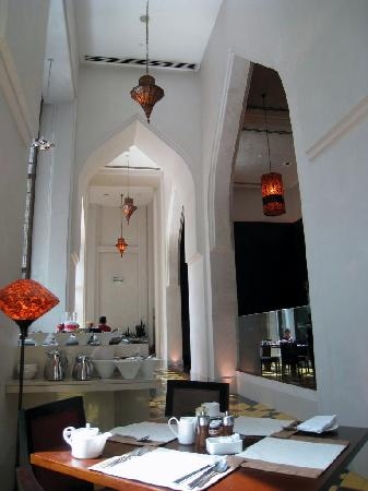 Manzil Downtown Dubai: View of the breakfast dining area